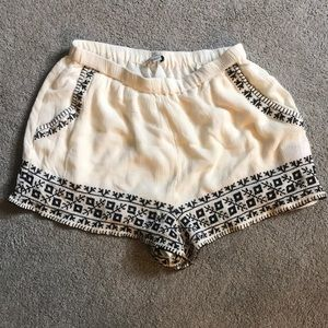 Cream Stitched American Eagle Shorts NWOT